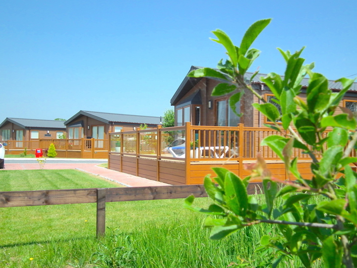 Holiday in Style on Oakmere Lodge Park