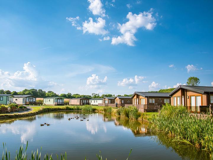 Superb lake edge holiday homes