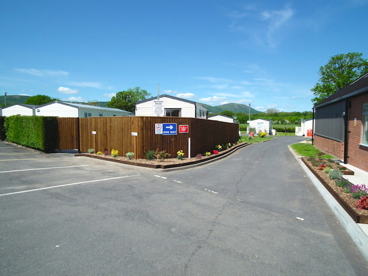 Entrance to Oakmere Holiday Park