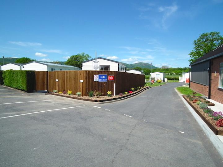 Entrance to Oakmere Holiday Park